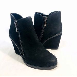 Vince Camuto Jeffers Wedge Zip Booties